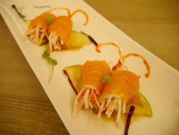 CA rolls' 美日式料理