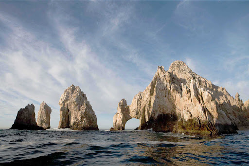Cabo-San-Lucas-Arch-Rock - The famous arch rock at the tip of Los Cabos.
