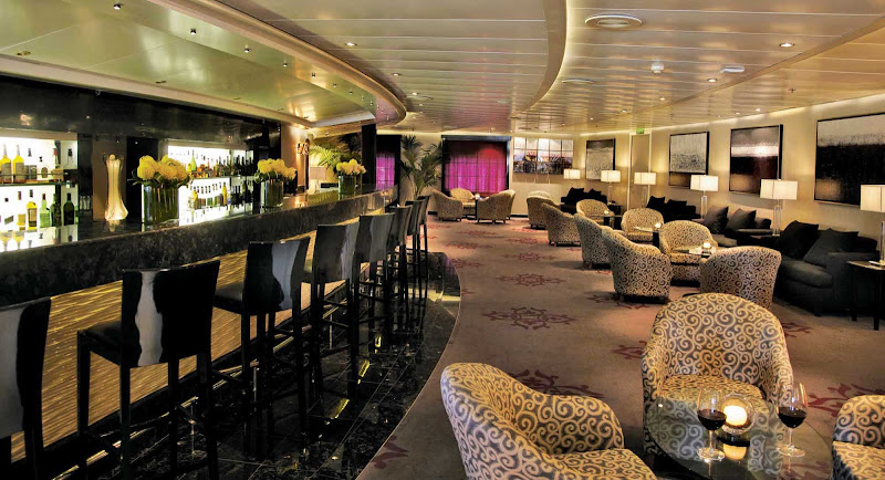 The Stars Lounge aboard Seven Seas Navigator is an ideal venue to see the night out.
