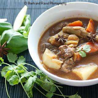 Bo Kho - Vietnamese Spicy Beef Stew.