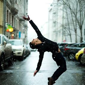 Step Up by Oleg Bagmutskiy - People Portraits of Men ( snow, dance, boy )