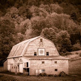 Boone on 421 by Timothy Scarsphotography - Buildings & Architecture Decaying & Abandoned ( black/white, mountains, barns, old barns,  )