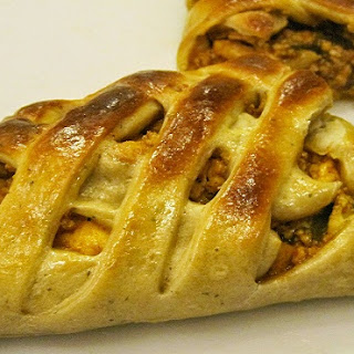 Braided bread stuffed with Paneer