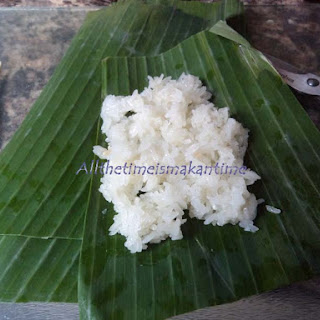 Pulut Bakar (Grilled glutinous rice)