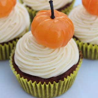 Pumpkin Muffins with Maple Cream Cheese Frosting