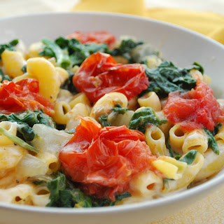 Monterey Jack & Macaroni With Spinach and Roasted Tomato.
