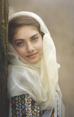 ROMANIAN GIRL by Daniel Kitu - People Portraits of Women ( expressive, eyes, posture )