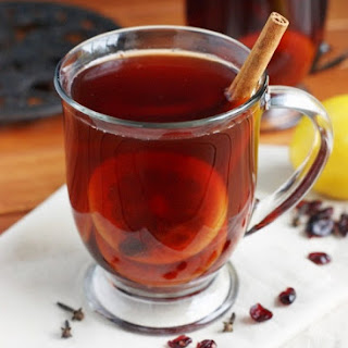 Holiday Mulled Cranberry Tea