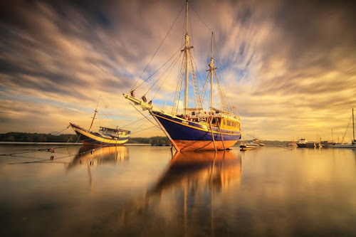 Runaway by I Made  Sukarnawan - Transportation Boats