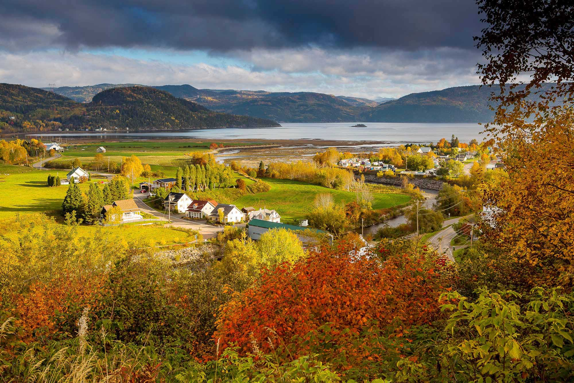 10 Places In Canada To See Gorgeous Fall Foliage Cruiseable