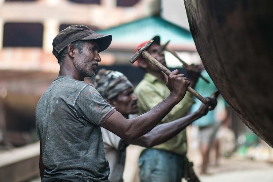 Man at work. by Hafizur Rahman Khan - People Professional People ( hafizbb, working people, bangladesh, doc yard, hafiz, dhaka )