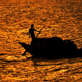 silhouette photography  by Abhijeet Kumar - Landscapes Sunsets & Sunrises ( sunset, boat, silhouette photography, silhouetted )