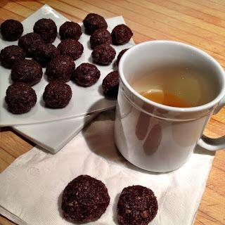 Coconut Chocolate Balls (vegan)
