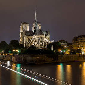 Notre dame by Romain Bruot - Buildings & Architecture Public & Historical ( paris, long exposure, france, cathedral, night )