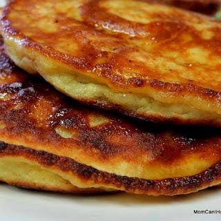 Crazy-Easy Banana Pancakes