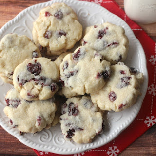 White Chocolate & Cranberry Shortbread