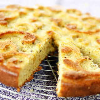 Apple and Olive oil Cake.