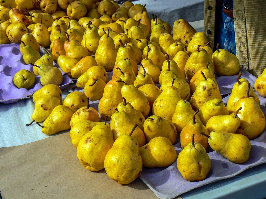 Pears at Market by Kari Nousiainen - Food & Drink Fruits & Vegetables ( food&drink, fruit, lumix, santa monica, pears )