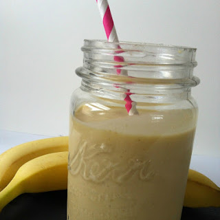 Mango-Banana Oatmeal Breakfast Smoothie.