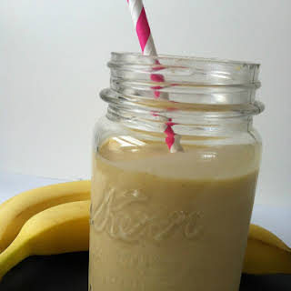 Mango-Banana Oatmeal Breakfast Smoothie.