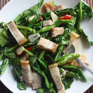 Stir-Fried Chinese Broccoli with Crispy Pork Belly (Khana Mu Krop)