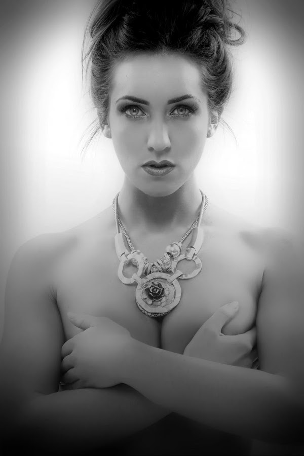 Gemma by Alistair Cowin - People Portraits of Women ( girl, black and white, long hair, oils, headsho )