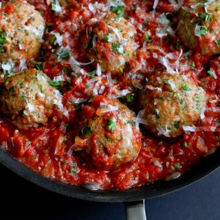 Italian Turkey Meatballs in Tomato Sauce