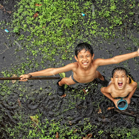 The rain... please don't stop by Bob  Matkodak - Babies & Children Children Candids