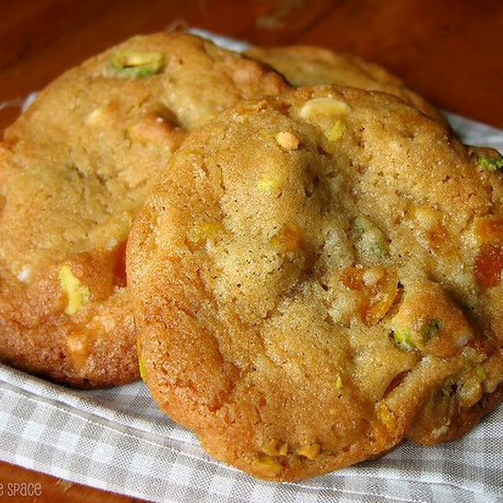 White Chocolate Dried Apricot Pistachio Cookies Recipe