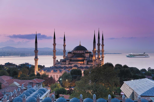 Norwegian-Jade-aerial-Istanbul - Cruise to Turkey aboard Norwegian Jade and see Istanbul's magnificent Blue Mosque.