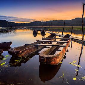 Morning in Tamblingan by Bayu Adnyana - Landscapes Travel ( landmark, bali, sunrise, morning, tamblingan )