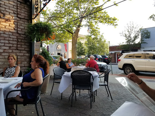 Barrique Kitchen & Wine Bar - Babylon | Restaurant Review - Zagat