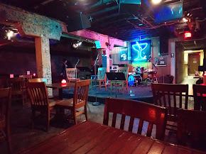 Elephant Room - Austin   Restaurant Review - Zagat