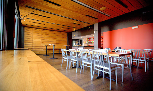 Harpoon Brewery And Beer Hall Boston Restaurant Review Zagat