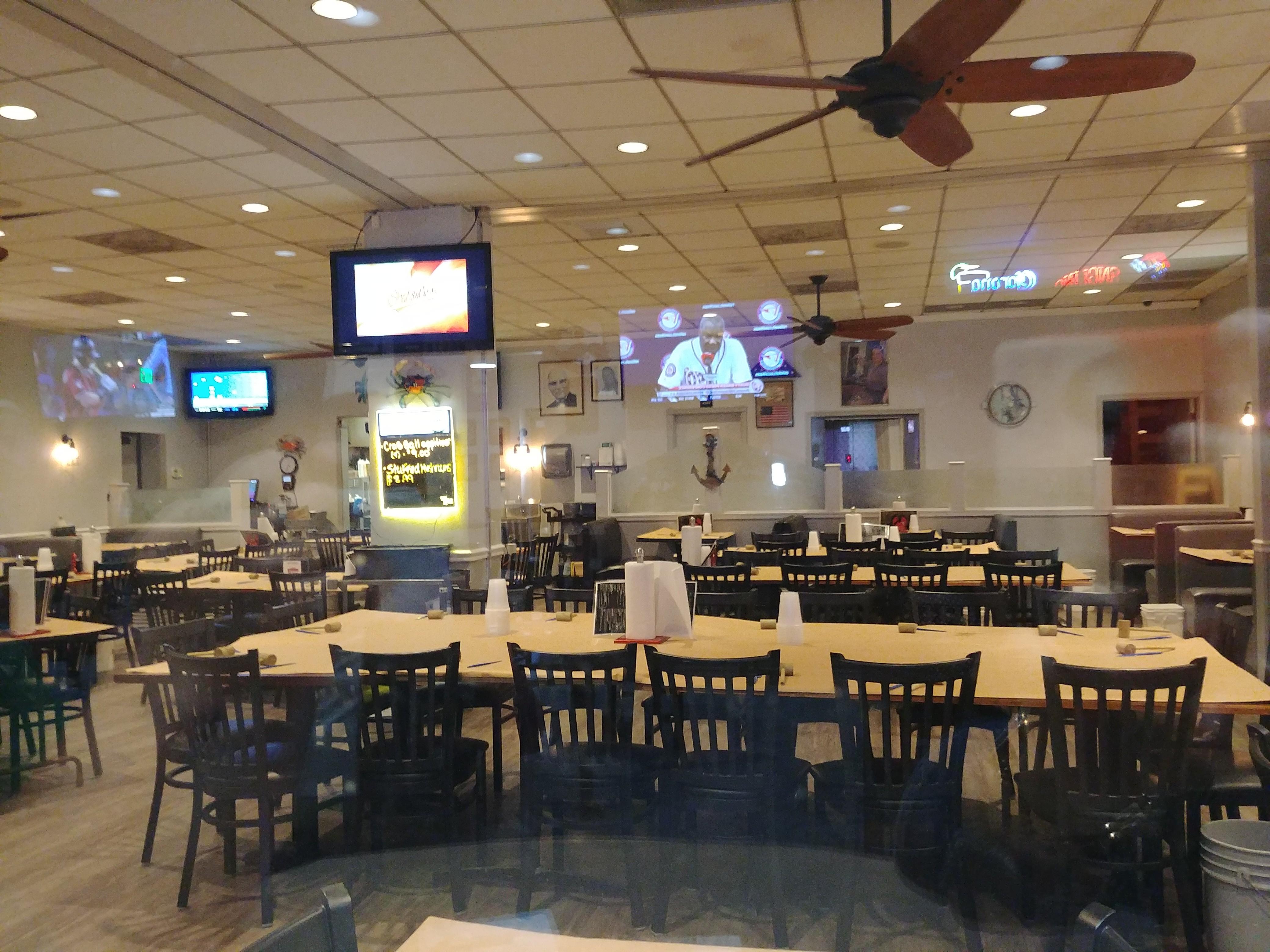 Mr bills terrace inn crab house and sports bar essex mr bills terrace inn crab house and sports bar essex restaurant review zagat kristyandbryce Gallery