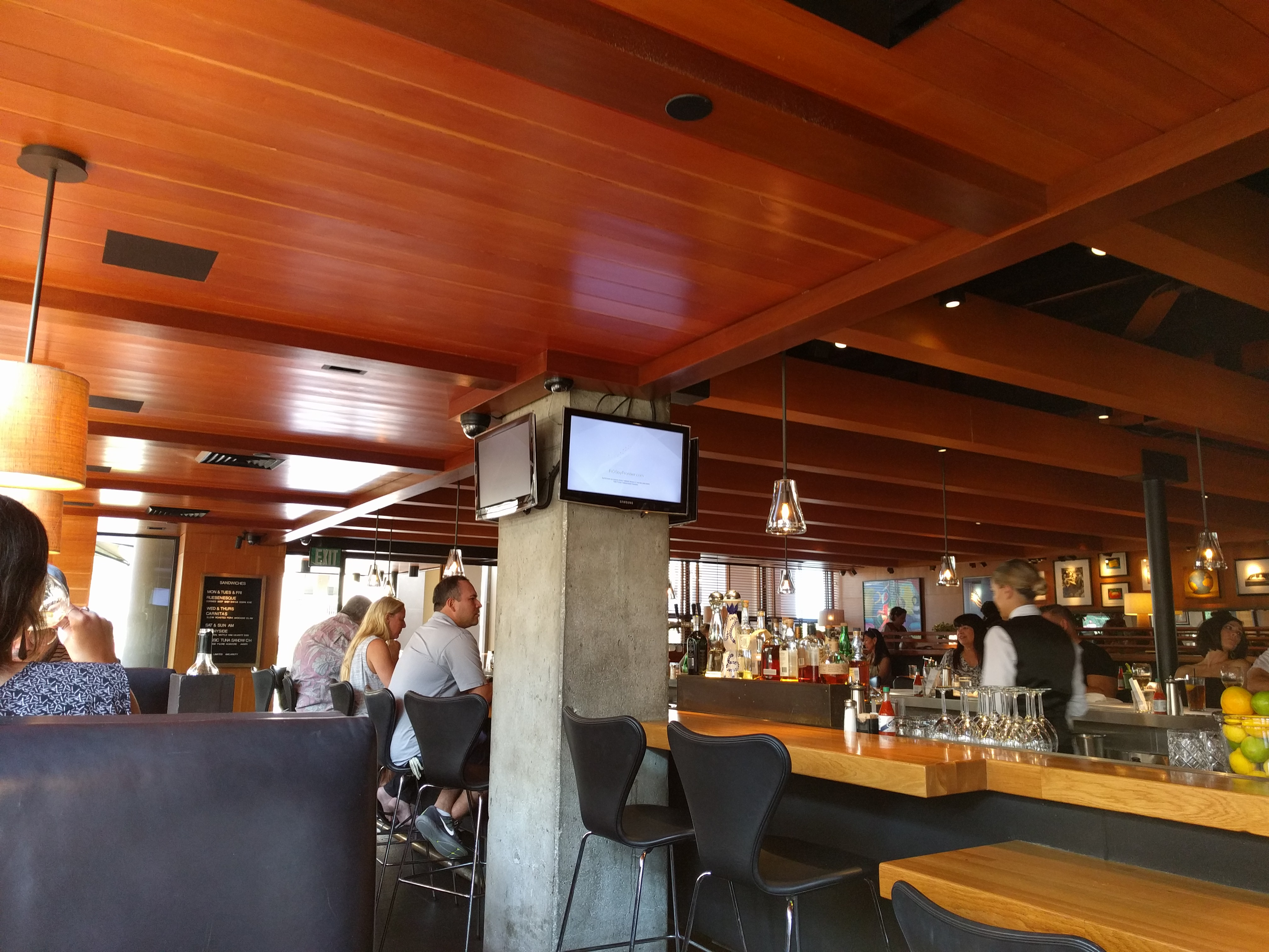 R D Kitchen Newport Beach