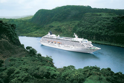 Crystal_Symphony_Panama_Canal_Jungle - Crystal Symphony takes you through lush jungles along the Panama Canal.