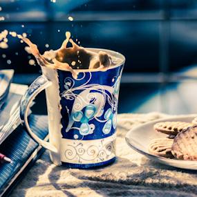 cookies splash by Pravin Dabhade - Artistic Objects Still Life ( cookies splash, canon, splash, 550d, still life, coffie, 50mm1.8, cookies, artstic object, coffee, pwc, pwccoffee )