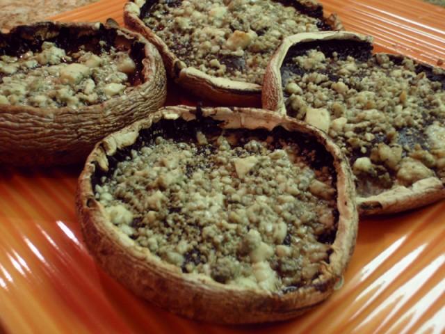 Roasted Portobello Mushrooms With Blue Cheese