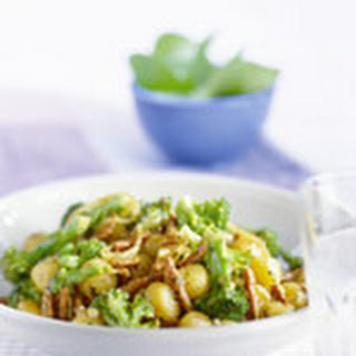Roergebakken Vleesreepjes Met Broccoli En Pestosaus