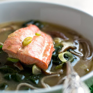 Noodle Bowl With Mushrooms, Spinach and Salmon