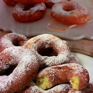 Lemon-flavored Potato Doughnuts