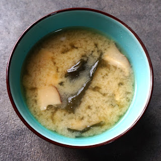 Wakame Miso Soup (わかめ みそ しる)
