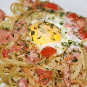 Spaghetti with Tomato and Bologna Sausage