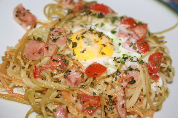Spaghetti with Tomato and Bologna Sausage