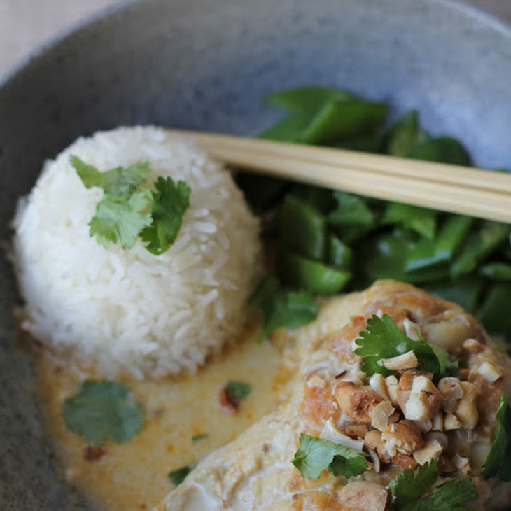 Chicken Curry with Coconut Milk and Cashews Recipe