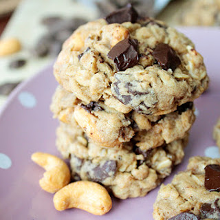 Oatmeal Cashew Chocolate Chunk Cookies