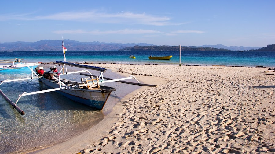 Parking on Saronde Island by Faizal Djau - Landscapes Beaches ( kwandang, beach, boat, gorut, saronde, gorontalo, island )