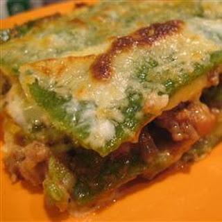 Meaty spinach lasagne with béchamel sauce (Lasagne verdi al forno)