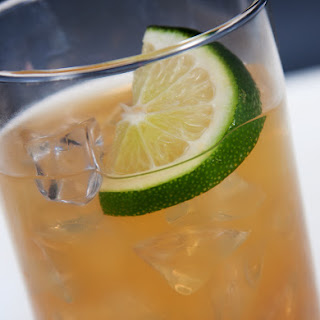 Bramble Bar Cocktail.